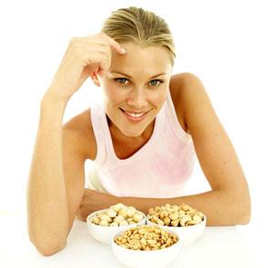 مرأة تأكل